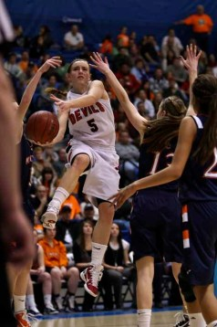 Lexi Eaton was the state's leading scorer her junior and senior years at Springville. (Photo by Shane Marshall)