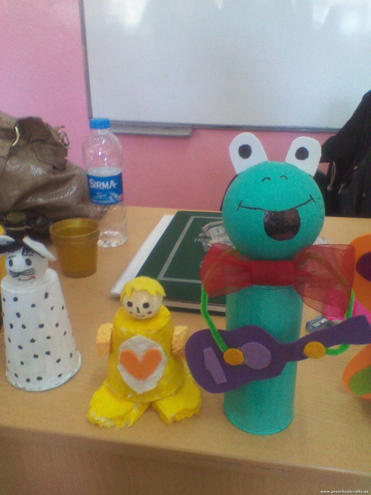 Frog Craft Idea With Toilet Rolls