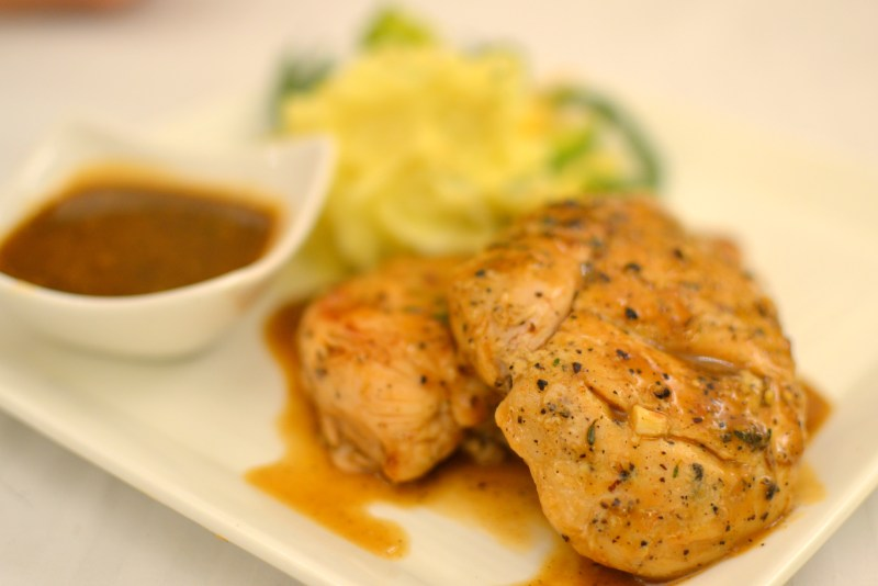 Grilled Chicken with Black Pepper Sauce