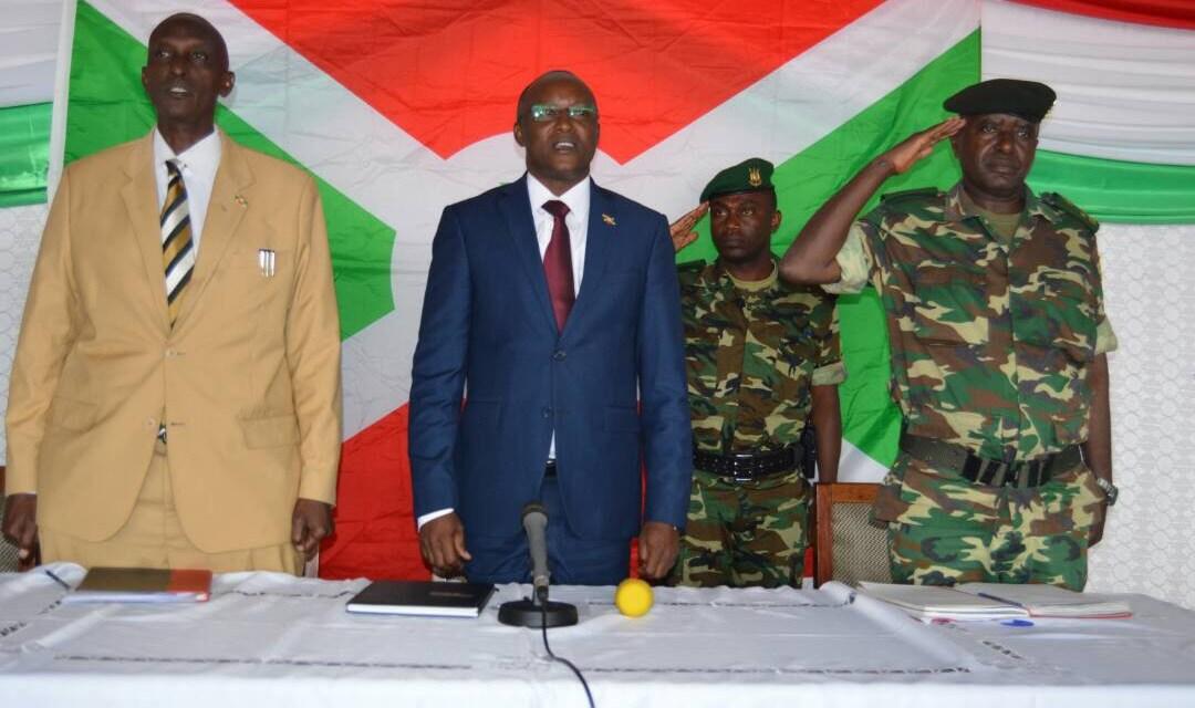 Réunion de sécurité en commune Mugamba par le Premier VP du Burundi