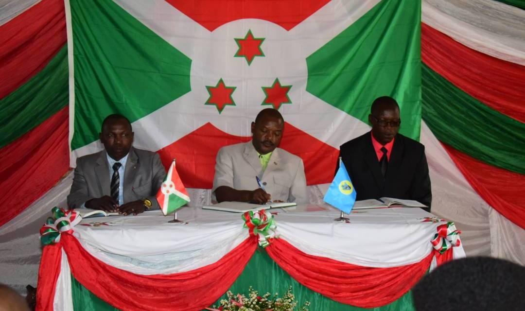 Son Excellence Pierre Nkurunziza rencontre les Gouverneurs de Provinces en Commune Ryansoro à Gitega