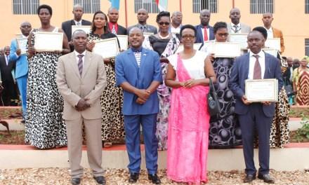 Son Excellence Pierre Nkurunziza prime 14 communes avec les meilleures performances en 2016