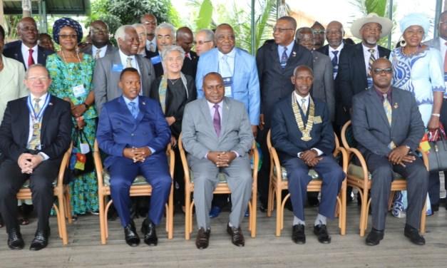 SE Dr. Joseph Butore ouvre solennellement la 36ème Conférence de district 9150 de Rotary International
