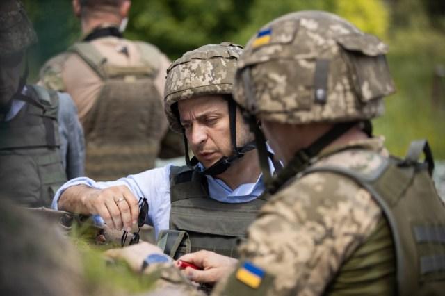 Президент України Володимир Зеленський відвідав передові позиції ЗСУ на Луганщині