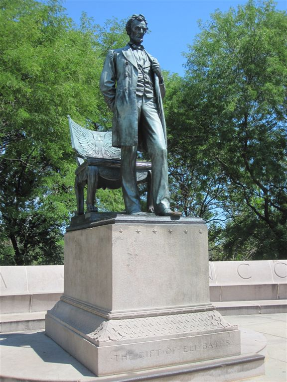 Abraham Lincoln Statue  Standing Lincoln  Chicago