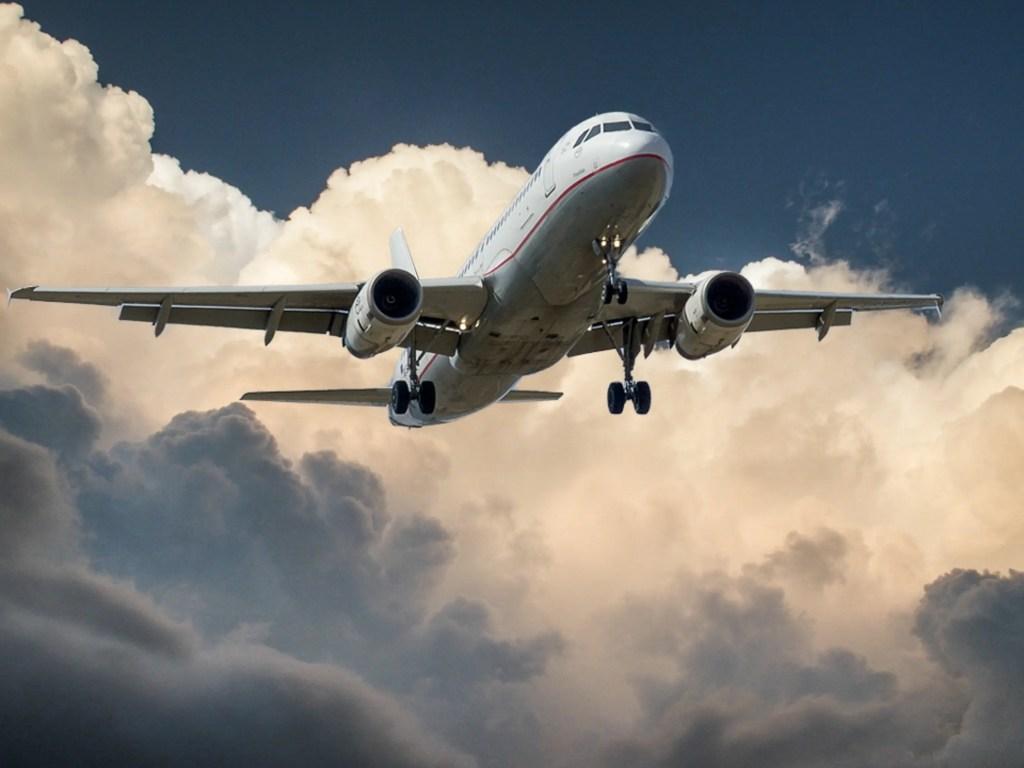Airplane 1024x768