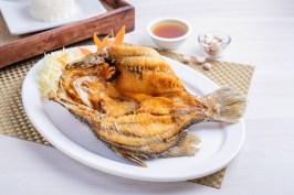 Delivery menu_ปลากะพงทอดราดน้ำปลา_Nathong L