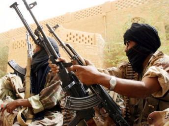Des soldats de l'armée malienne. Depuis la mi-janvier, de violents affrontements ont eu lieu dans le Nord-Mali entre Touareg et militaires maliens. AFP/Kambou SIA