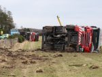 FIRE ENGINES WHICH CRASHED OFF THE ROAD AT CULLODEN NEAR INVERNESS AFTER SKIDDING ON BLACK ICE...SEE STORY DAVID LOVE COPYLINE...PIC PETER JOLLY
