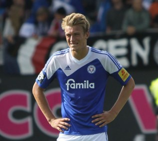 Aberdeen could sign Hauke Wahl to strengthen defence