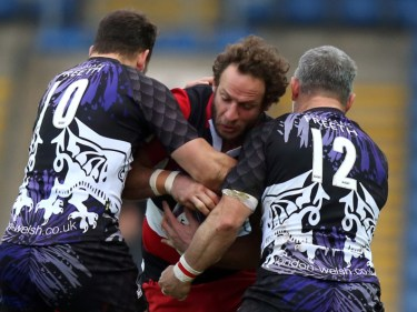 Edinburgh's Andries Strauss, centre, is looking to mark his final appearance for the capital club with a victory over Cardiff Blues