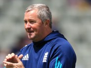 England assistant Paul Farbrace is adamant that not putting Pakistan into bat is the right decision