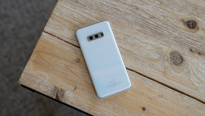 Samsung S10E wireless charging