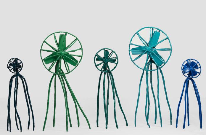 """Das Groninger Museum präsentiert die erste große Einzelausstellung des gefeierten niederländischen Designers Maarten Baas. Unter dem Titel """"Hide & Seek, Maarten Baas"""" werden ab dem 18. Februar viele jener Entwürfe zu sehen sein, mit denen Baas Weltruhm erlangte, darunter die Serien """"Smoke"""" und """"Clay""""."""