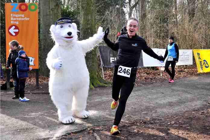 Der Winterlauf des Rostocker Triathlonclubs TC FIKO ist bei vielen Lauffreunden inzwischen ein fester Termin im Kalender. Zur vierten Auflage des Benefizlaufs am Sonnabend, dem 25. Februar 2017, werden 200 Sportler und Zoofreunde im Barnstorfer Wald erwartet