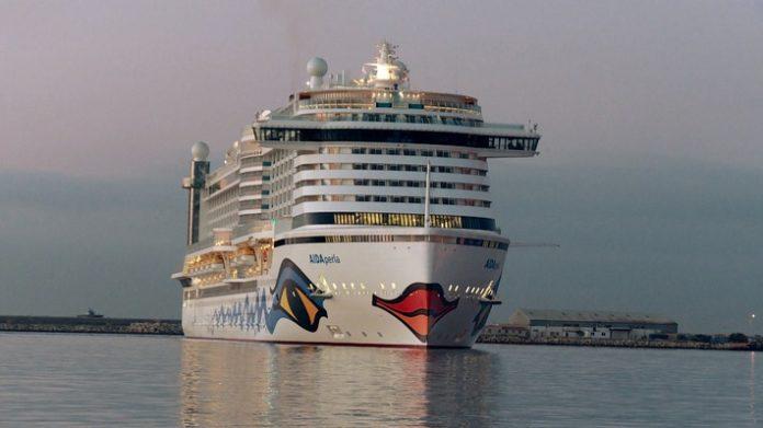 AIDAperla erreicht Limassol - der erste Hafen im Mittelmeer