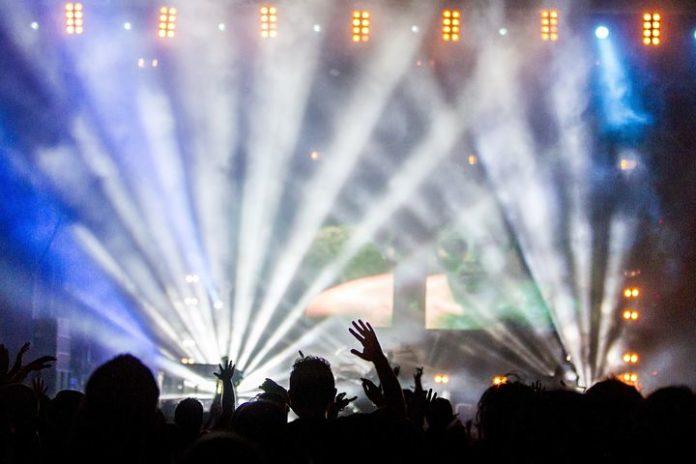 Twitter startet Live-Übertragung von Konzerten Kooperation mit Live Nation soll Künstler auf Bildschirme bringen