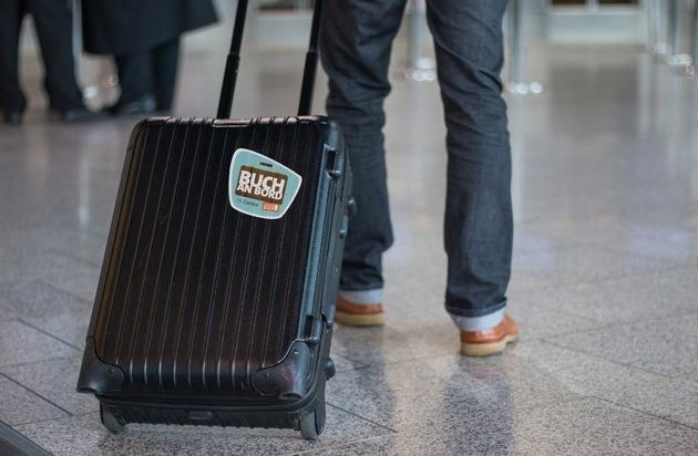 """Gratis-Freigepäck für die Strandlektüre: """"Buch an Bord"""" startet auch im Sommer 2017 JETZT EIN BUCH! und der Ferienflieger Condor beschenken Ferienreisende"""