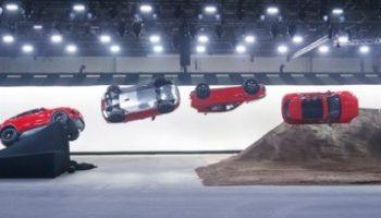 Handel, Jaguar E-PACE, Celebrities, Wirtschaft, Looping, Weltrekord, People, Auto / Verkehr, Stunt, Bild, Auto, NeueProdukte, SUV, London/Schwalbach/Ts.