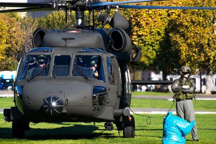 Bundeswehr, Industrie, Hubschrauber, Politik, Rüstung, Transport-Helikopter, Luftverkehr, Verbände, Köln