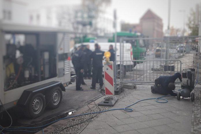 #Weltkriegsbombe ,,#Kreuzberg ,,Berlin,Weltkriegsbombe