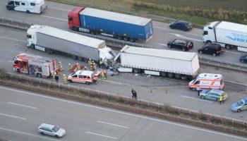 Magdeburg,Unfall,Polizei,Lkw-Unfall,LKW,Autobahn,Auto