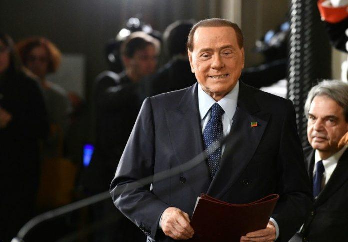 Silvio Berlusconi,Italien,News,Regierungschef ,Medien
