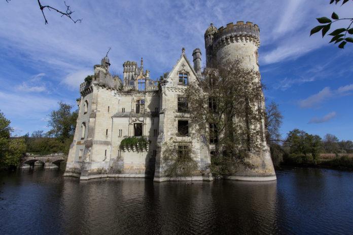 La Mothe-Chandeniers ,Westfrankreich,News,Schloss,Crowdfunding
