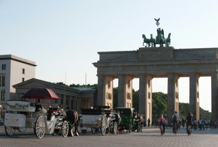 Brandenburger Tor,Berlin,News,Fahrverbot,Pferdekutschen