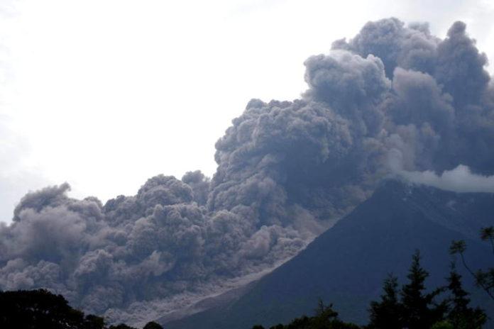 Feuervulkan ,Feuervulkan in Guatemala, Guatemala, Conred, David de León,Unglück,Nachrichten, Ausland