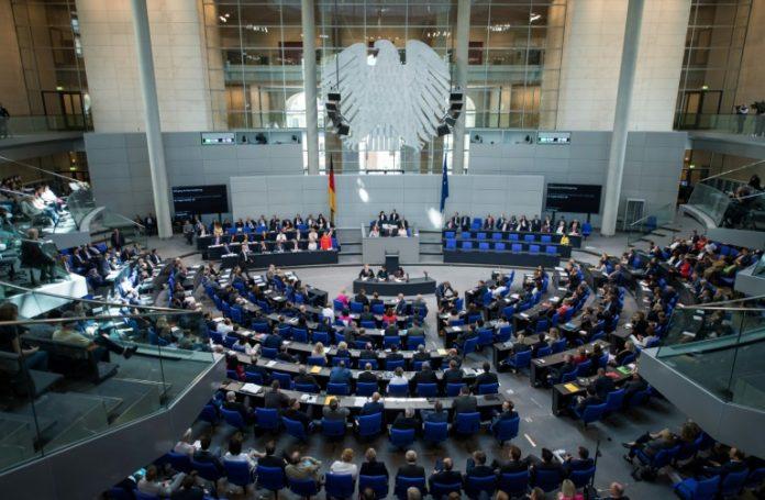 Gesetz ,Musterfeststellungsklage ,Bundestag,Berlin,Politik,Nachrichten,Rechtsprechung