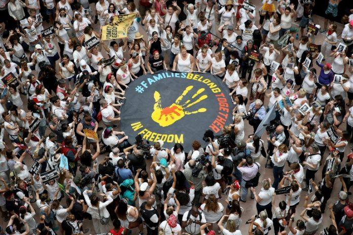 Protest gegen Trennung von Einwandererfamilien,Einwandererfamilien,Flüchtlinge,Politik,Nachrichten,Präsident, Donald Trump,,Pramila Jayapal