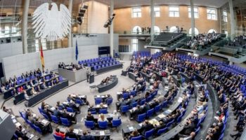 Bundestag,Berlin,Innenpolitik,Nachrichten,Bundeskanzlerin, Angela Merkel,CDU, Partei, Asylpolitik,Haushaltsdebatte