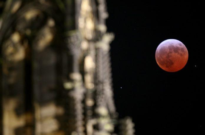 #Mondfinsternis ,Nachrichten,Deutschland,Erdtrabanten ,Mond,Mars