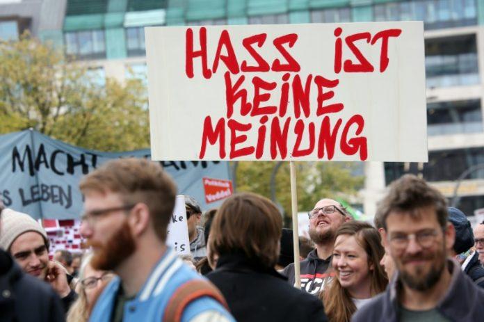 Berlin, Demonstration,Nachrichten,Künstlern, Wissenschaftler,Politik,Hass