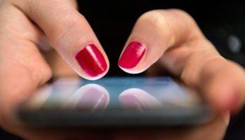 Smartphone,Netzwelt,Energiekosten,Stromverbrauch,Umfrage,Nachrichten,News,Presse,Aktuelles