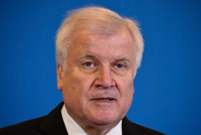 Befragung im Bundestag,Horst Seehofer,Politik,Nachrichten,News,Presse,Hans-Georg Maaßen,Berlin