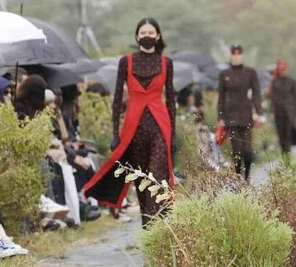 Mode,Pariser Fashionweek,Burka,Presse,Medien,News