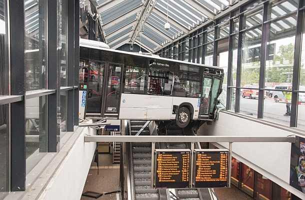 Hamburg,Bergedorf,Busbahnhof,News,Medien,Aktuelle