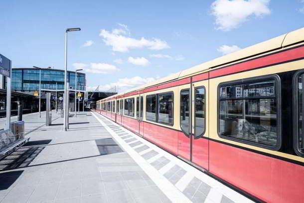 Verkehrsunternehmen regen Telefonierverbot in ÖPNV an