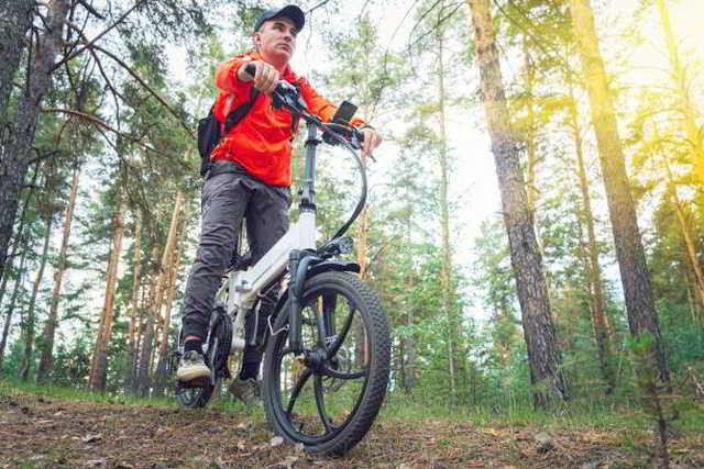 Zahl der E-Bikes in Privathaushalten 2021 um 1,2 Millionen gestiegen