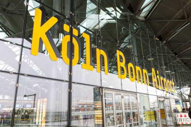 Falsche Impfnachweise bei Einreise am Flughafen Köln Bonn vorgelegt