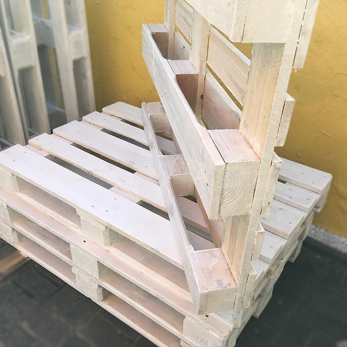 weiß lackierte gestrichenen EURO-Paletten für Terrassen Sofa