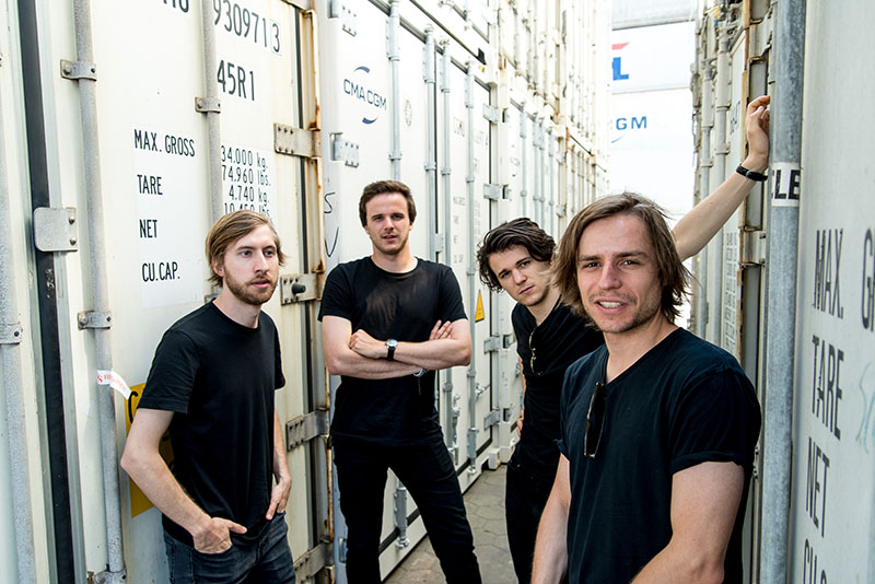 Take off your shirts neues Album
