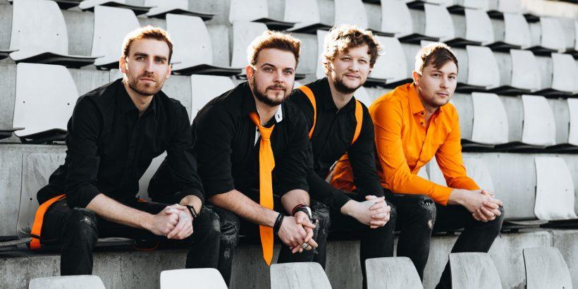 """Das Album """"Orange"""" ist das zweite Studioalbum der Band Flying Penguin"""