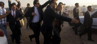 Sınırdaki vatandaşlar bakanları taşladı!