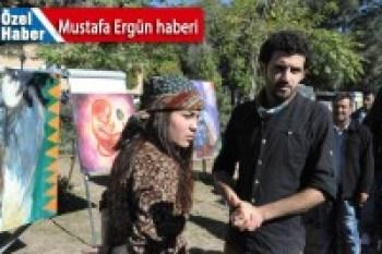 Kobanê'li gençlerden IŞİD'li resim sergisi