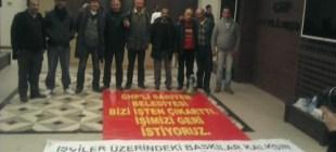 İşçiler, CHP İstanbul İl Başkanlığı binasını işgal etti.