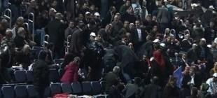 Berkin Elvan pankartı açanlara AK Partililer saldırdı!