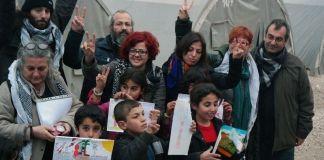 Yunanistan eğitim emekçilerinin Suruç'taki Rojavalı göçmenlere topladığı yardımlar engellendi. Toplanan yardımlar türlü bahanelerle 15 gün boyunca Ayvalık Limanı'ndan ileri geçirtilmedi.